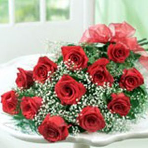 12 Red roses 499